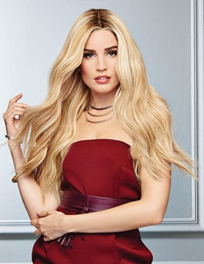 Long Wavy Blonde Woman Hair Raquel Couture